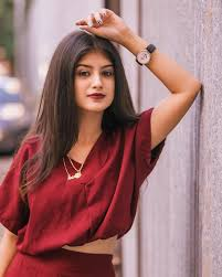 Arishfa khan's wiki,biography, age, height, family,boyfriend career, Phone No, Current address Like ID, education, facts and figures.