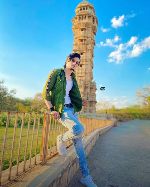 Abraz Khan (TikTok Star) Wiki, Biography, Age, Height, Family & Net Worth