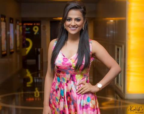 Shraddha Srinath Wiki, Biography, Age, Height, Pics, Films & More