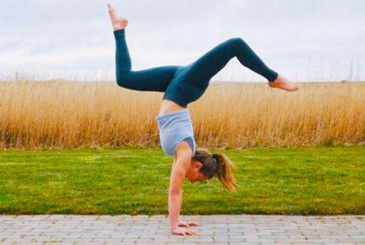 Beginner's Guide to Doing Handstands