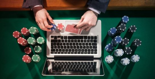 Reasons to play สล็อตออนไลน์ on virtual casinos