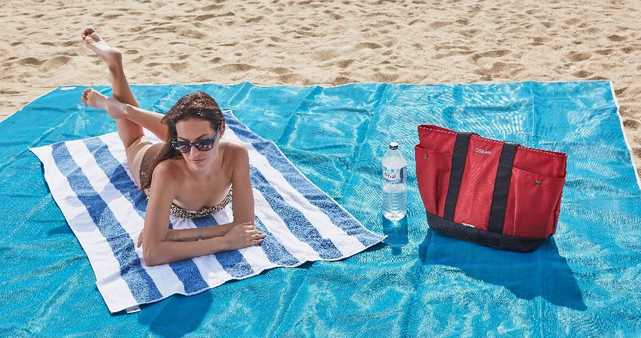 5 Beach Accessories to Not Leave Home Without This Summer